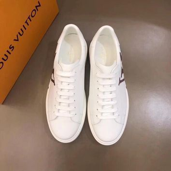 LV   Man Fashion Casual Shoes Men Fashion Boots fashionable Casual leather Breathable Sneakers
