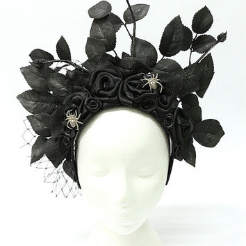 Black rose Gothic headdress - costume hair accessory, Halloween headpiece with black roses, leaves and spiders - Victorian Gothic Jewelry