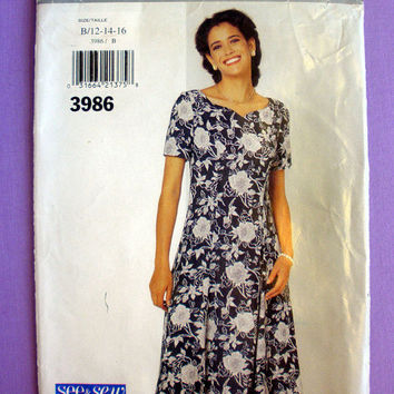 Very Easy Dress Sweetheart Neckline Misses' / Miss Petite Size 12, 14, 16 Butterick See & Sew 3986 Sewing Pattern Uncut