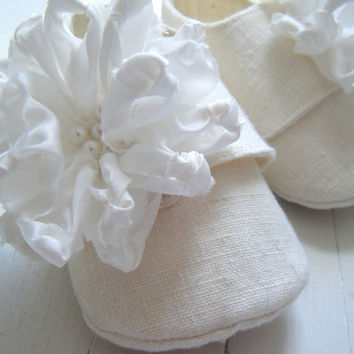 Organic Winter White Hemp Linen Shoe With Silk by BobkaBaby