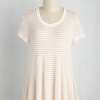Queen of the Chill Top in Peach | Mod Retro Vintage Short Sleeve Shirts | ModCloth.com