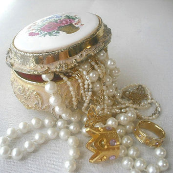 Vintage 1970s Gold Tone Floral GUNTHER MELE Music Jewelry/Trinket Box