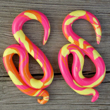Custom Swan Ear Gauges, Pink, Orange, Yellow Ear Plugs, Polymer Clay Ear Gauges- Any Size 8G (3.2 mm) - 1 inch (25 mm)