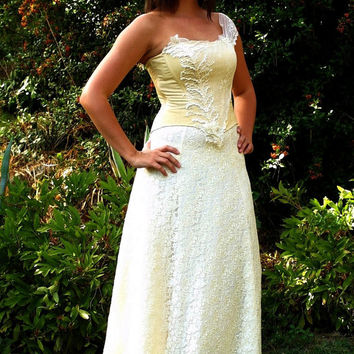 One Shoulder Elegant Lace Dress Vintage Inspired A-line Wedding Gown - Vanilla Lady