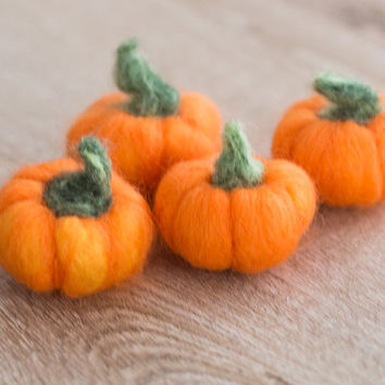 Needle Felted Pumpkin Decor-  Pumpkin Halloween Decor-Needle Felted Pumpkin Knick Knack-Needle Felted Halloween Decoration-Fall Decoration