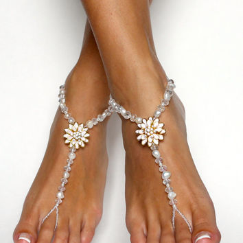 Flower Barefoot Sandals in Freshwater Pearls and Crystal Beads Foot Anklet Jewelry Bridal Accessories