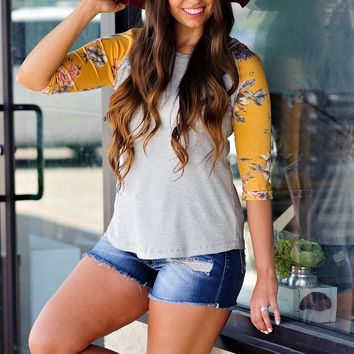 * At The Plaza Floral Sleeve Top : Heathered Grey/ Yellow