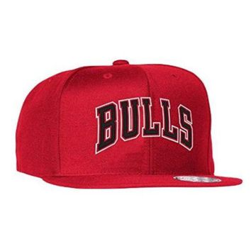 ONETOW Chicago Bulls Mitchell & Ness NBA Current Wool Solid 2 Snapback Cap