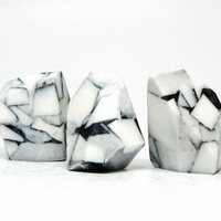 White Turquoise Rock Soap Set in Aloe & White Lilac