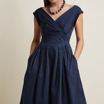 Emily and Fin Keener Postures Midi Dress in Navy