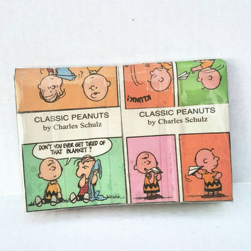 Classic Peanuts - Charlie Brown - Linus - Newspaper - Comics - Purse - Mini Clutch Bag - Pouch