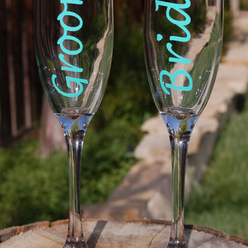 1 Pair Bride & Groom Champagne Flutes For Toasting for Engagements, Wedding Gifts, Wedding Parties, Newlyweds, Bachelorette, Bachelor