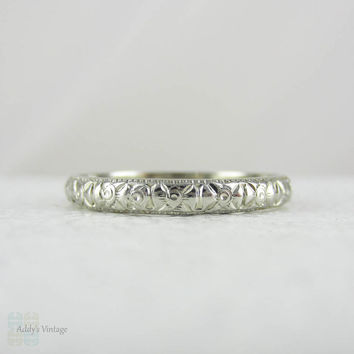 Vintage Engraved Wedding Band. Art Deco White Gold Floral Engaged Wedding Ring, Circa 1920s - 1930s in Large Size.