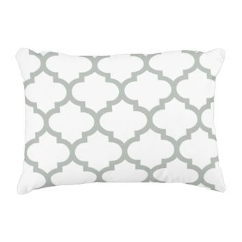 Quatrefoil Ogee Accent Pillow - Silver Gray