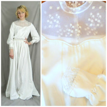 70s vintage wedding dress / Handmade bohemian wedding gown / Floor length / Victorian style button down back / Long sleeve lace neck size XS