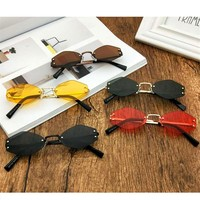 Sunglasses For Women Small Prismatic Vintage Shape Sun Glasses Fashion Metal Frame Red Sunglasses
