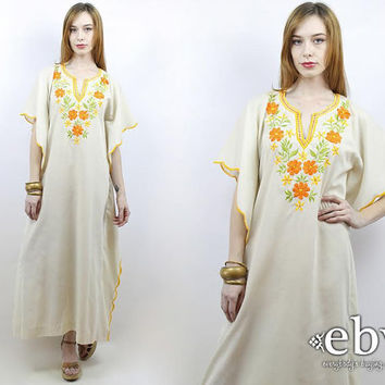 Hippie Dress Hippy Dress Festival Dress Mexican Dress Vintage 70s Cream Embroidered Maxi Caftan Dress S M L Embroidered Dress Floral Dress