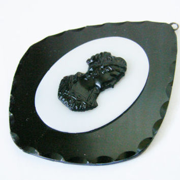 Antique Black & White Onyx Cameo Pendant / Unique / Hand Carved / Reenactment / Jewelry / Jewellery