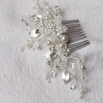 Wedding Hair Comb with Leaves, Pearls and Floral Components Bridal Comb Bridesmaid Decorative Clip Bridal Headpiece Wedding Hair Pin Bride
