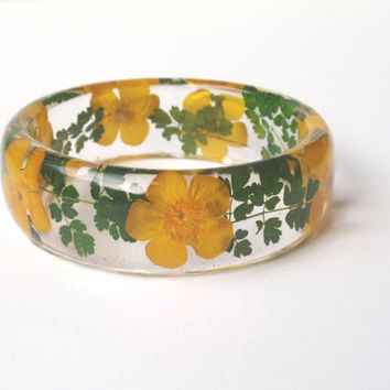 Eco Resin Bangle Bracelet - Size L - Real Flower Resin Bracelet -  Chunky Thick Rounded Bangle  - Real Plant Bracelet
