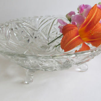 Crystal Glass Bowl 3 feet Wedding Crystal Footed Bowl Serving Bowl Crystal Wedding Gift Footed Crystal Glass Bowl Fruit Bowl