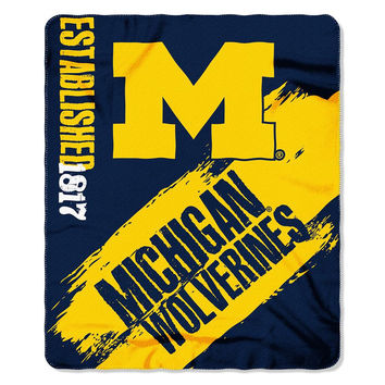 Michigan Wolverines NCAA Light Weight Fleace Blanket (Paint Series) (50inx60in)