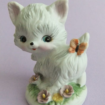 Vintage Cat Figurine, Kitsch Cat, White Kitten Cat Figurine