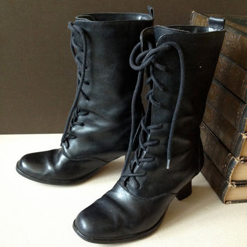 Vtg Black Leather Lace Up Mid Calf Boots // Size 5.5