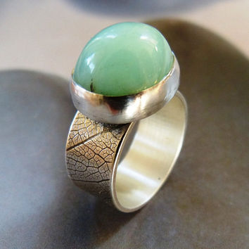 Crysoprase silver ring, metalwork, natural jewelry, green gemstone, textured base, birthday present, gift idea, holiday gift