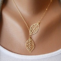 Antique Golden Leaves Clavicle Chain Necklace xl0011
