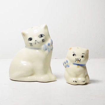 Small White Kitty Cat with Blue Bows Salt and Pepper Shakers Miniature Collectible Farmhouse Decor Vintage No chips or Cracks