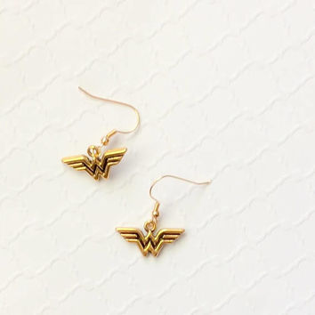 Wonder Woman Earrings ~ WW ~ Wonder Woman Movie ~ Superhero Jewelry ~ Wonder Woman Cosplay ~ Comic Con Jewelry