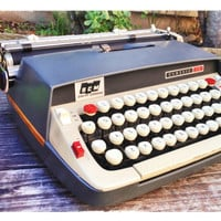 Vintage Smith Corona Classic 12 Manual Typewriter with Case, Mad Men