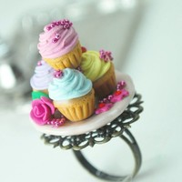 Marie Antoinette Cupcake Ring in Polymer Clay by DIVINEsweetness