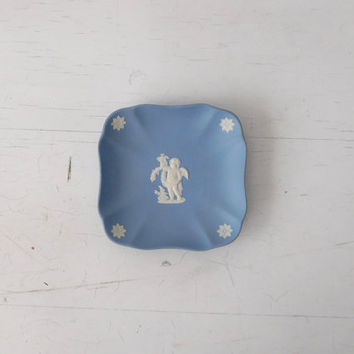 Small Wedgwood Blue Soap Dish Jewelry Holder Dresser Dish Angels Cherub Flowers England Vintage Signed