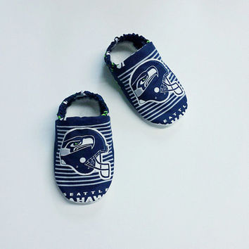 Handmade Soft Cloth Baby Moccs / Moccasins / Booties / Crib Shoes Seattle Seahawks NFL