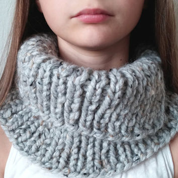 THE LAKESHORE -  Knit Chunky Cowl - Snood