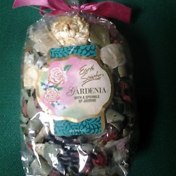 Earth Scents Potpourri Gardenia