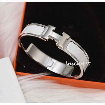 BNIB NEW HERMES CLIC H CLAC ENAMEL BANGLE BRACELET WHITE SILVER PLATED GM
