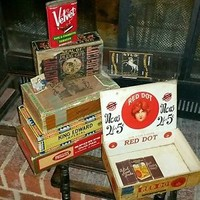 Estate Lot of Tobacciana,Cigar Boxes,Cigarette Papers,Tins