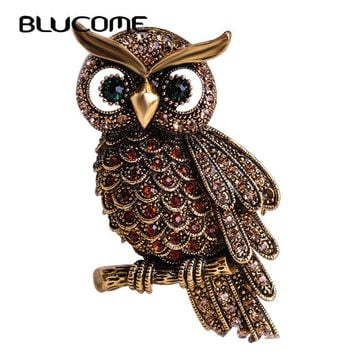 Great Gift For Owl Lovers!!  Vintage Owl Brooch.   Available in Antique Gold, Silver and Antique Silver.   Really Pretty and Unique.   ***FREE SHIPPING***