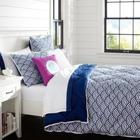 Quincy Scallop Super Pouf Comforter + Sham, Royal Navy
