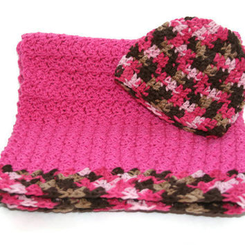 Baby girl hot pink blanket and hat newborn gift set, 0 - 3 photo prop crochet afghan beanie