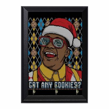 Urkel Design Decorative Wall Plaque Key Holder Hanger