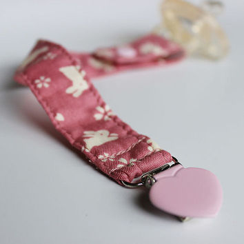 Pacifier clip/ holder - Japanese fabric - Pink bunny - rabbit - Baby acessories - Binky Clips – Baby Girl - Paci Clip - Baby Shower Gift