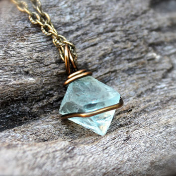 Natural Fluorite Necklace, Octahedron Stone Jewelry, Green Fluorite Jewelry, Wire Wrapped Stone Necklace, Hippie Jewelry, Gypsy Necklace