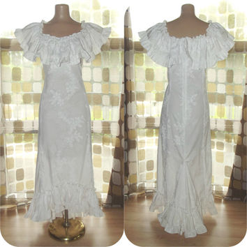 Vintage 70s 80s Traditional Hawaiian Holoku Wedding Dress Tropical White Floral Mermaid Gown Plus Size 16/18 2X