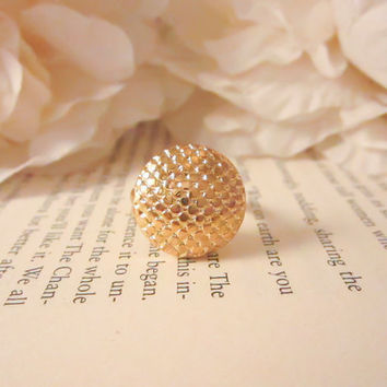 Vintage Button Ring, Vintage gold sequin ring, cocktail statement ring, gold ring, bridesmaid gift, spring jewelry, gold plated ring