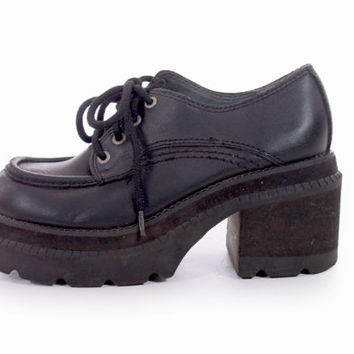 90s Vintage Black Leather Chunky Platform Lace Up Oxfords Stacked Foam Club Kid Goth Minimalist Footwear Womens Size US 7.5 UK 5.5 EUR 38