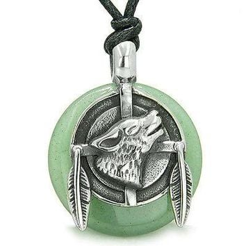 Amulet Howling Wolf and Feathers Medallion Good Luck Powers Green Aventurine Luc